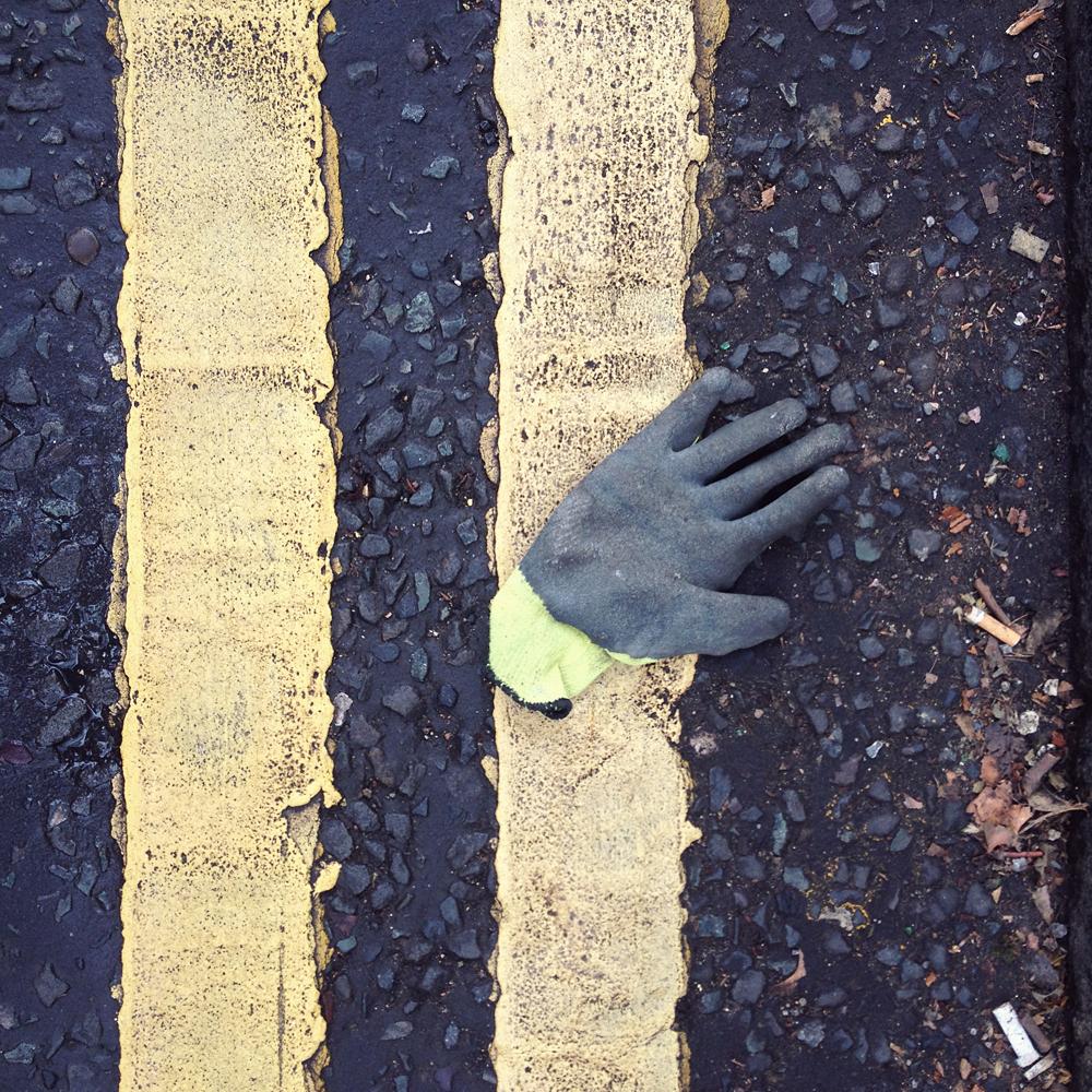 One_glove_27_11_13_2