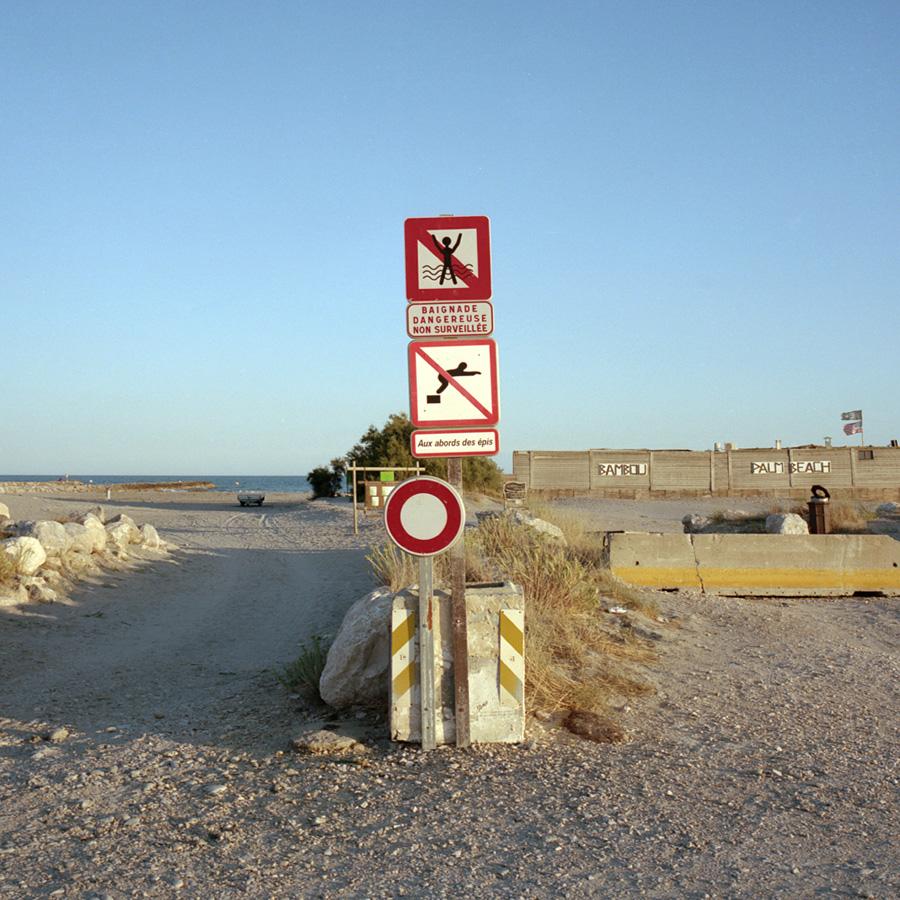 Beach signs_900px